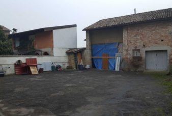 BRESCELLO (RE), LOCALITA' LENTIGIONE, CASA SEMINIDIPENDENTE